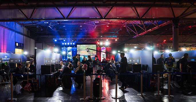 Structuring esports tournaments so all players can collect profits